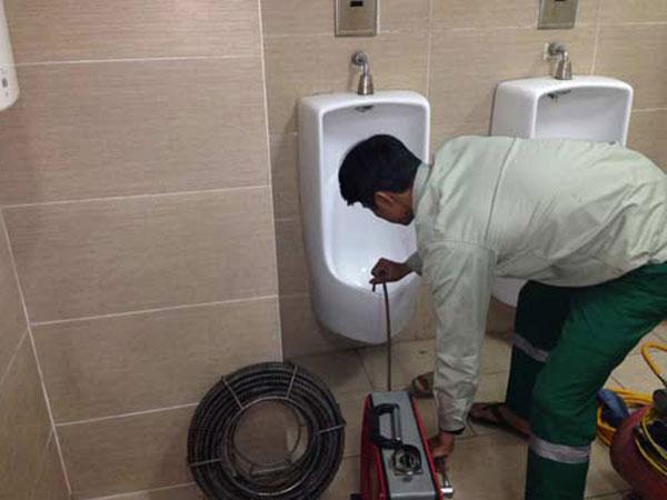 Thông bồn cầu giá rẻ tại Dương Kinh