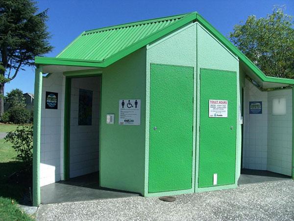 thông bồn cầu nhà vệ sinh công cộng hải phòng