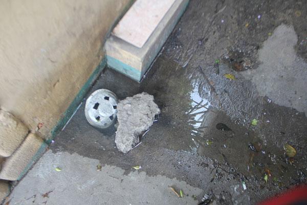 Mẹo xử lý nước cống tràn vào nhà