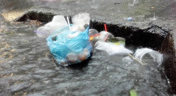 Nguyên nhân cống bị tắc nghẽn vào mùa mưa
